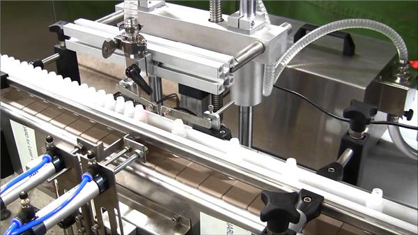 उच्च गति स्वचालित ई-तरल बोतल भरने की मशीन