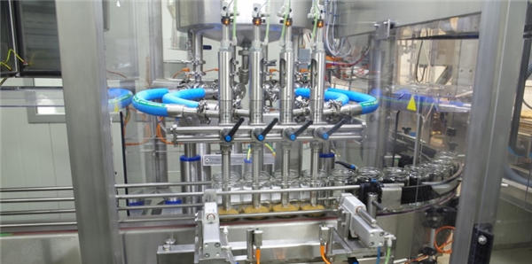 उच्च दक्षता स्वचालित टमाटर पेस्ट भरने की मशीन